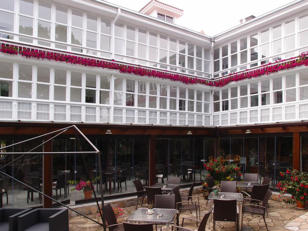 Hotels In Argüeso Cantabria