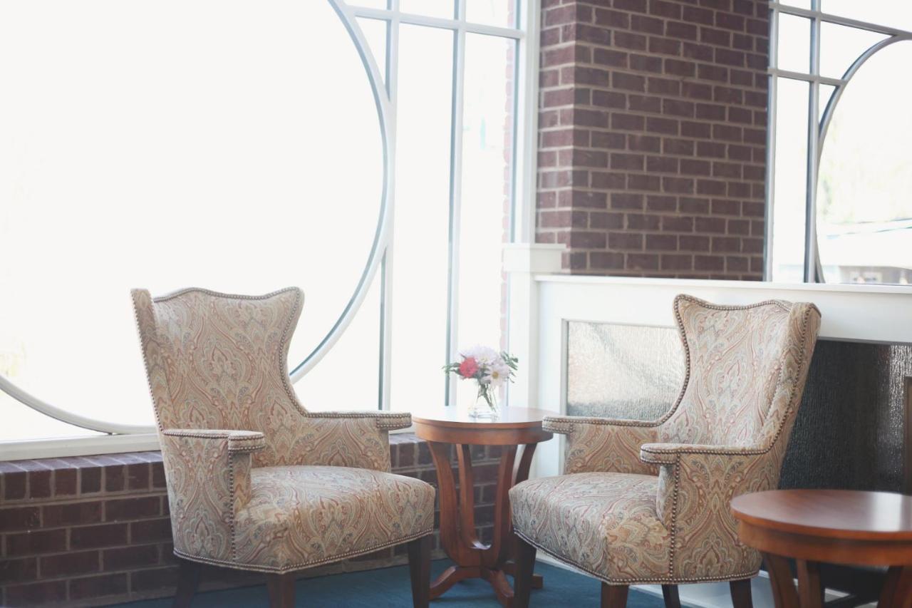 Sheridan Livery Inn, Lexington, VA - Booking.com