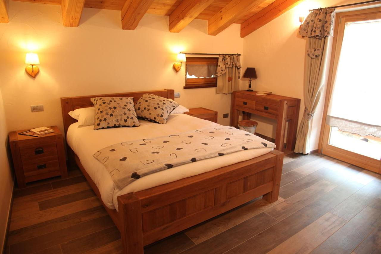 Bed And Breakfasts In Antagnod Valle D