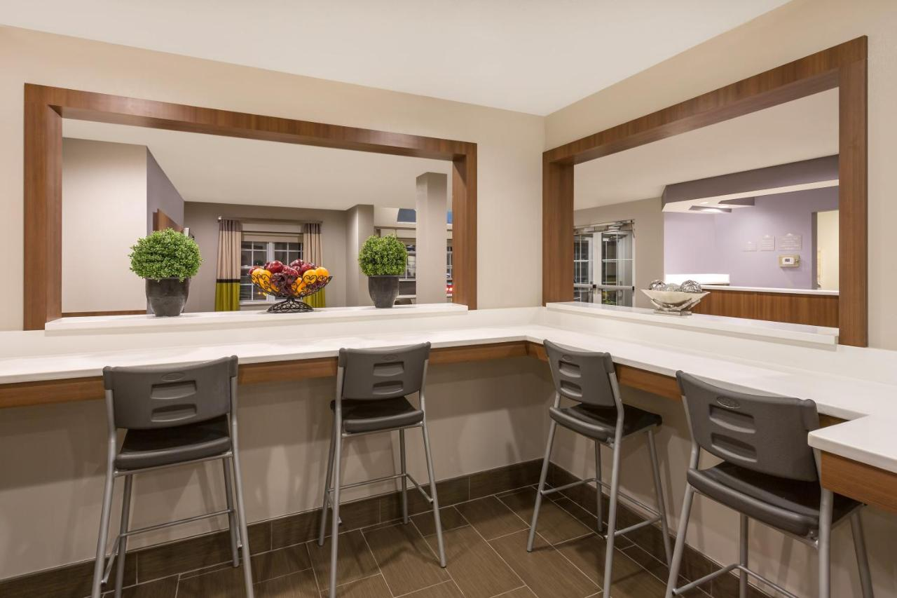Microtel Inn & Suites by Wyndham, Sandston, VA - Booking.com