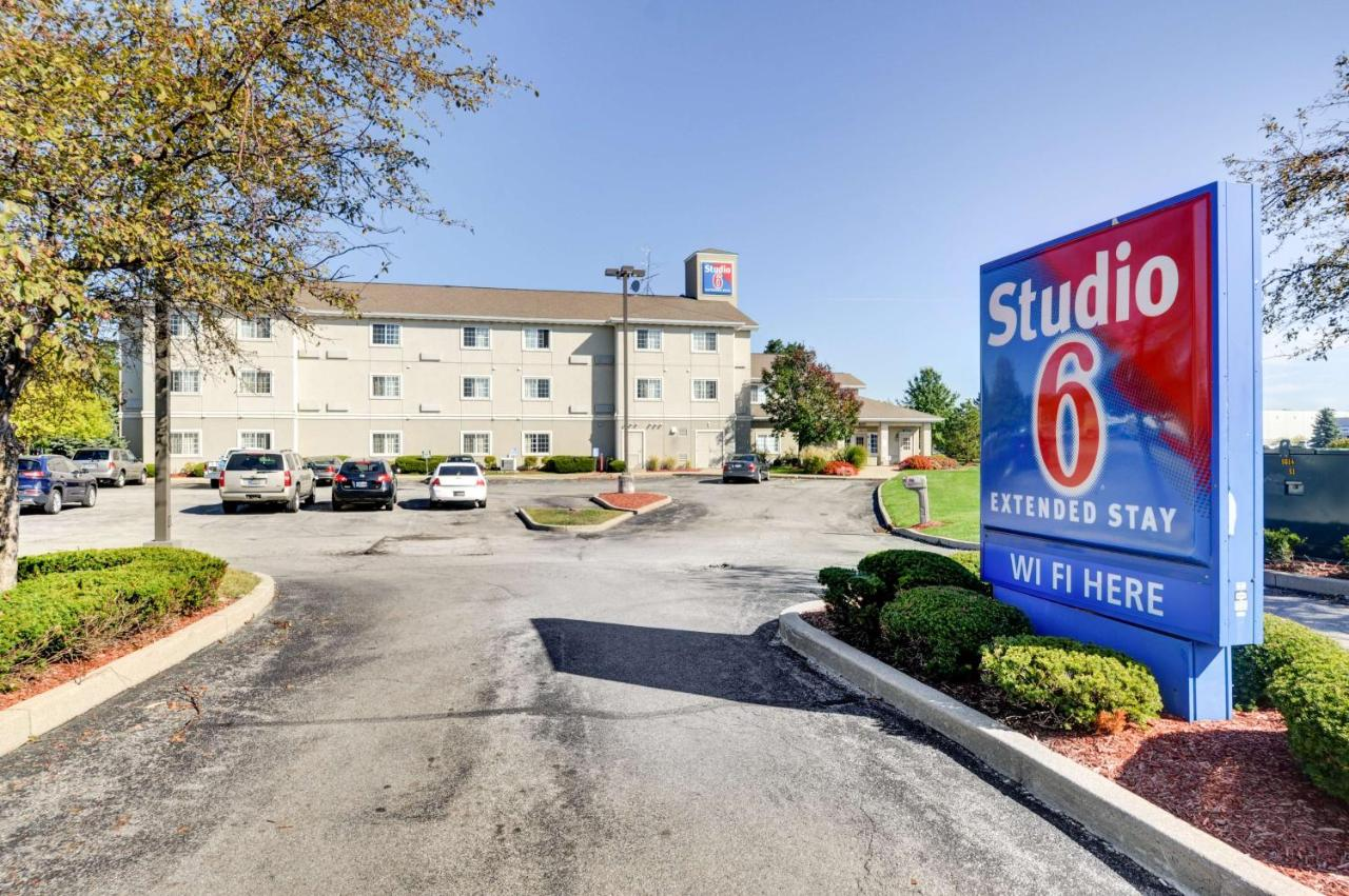 Hotels In Oaklandon Indiana