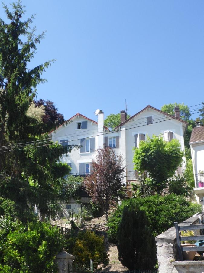 Guest Houses In Osny Ile De France