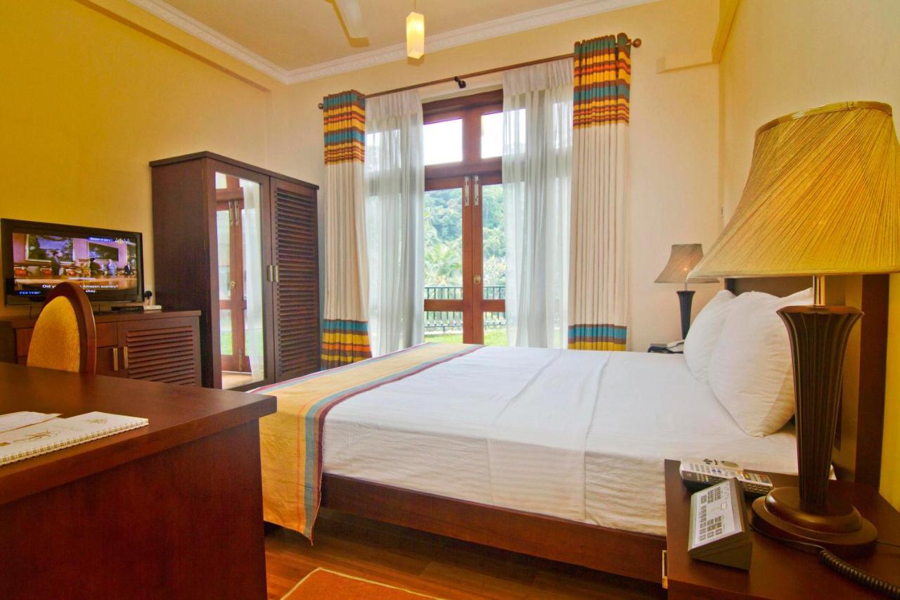 Hotel Manickam Grand Serene Grand Hotel Kandy Sri Lanka Bookingcom