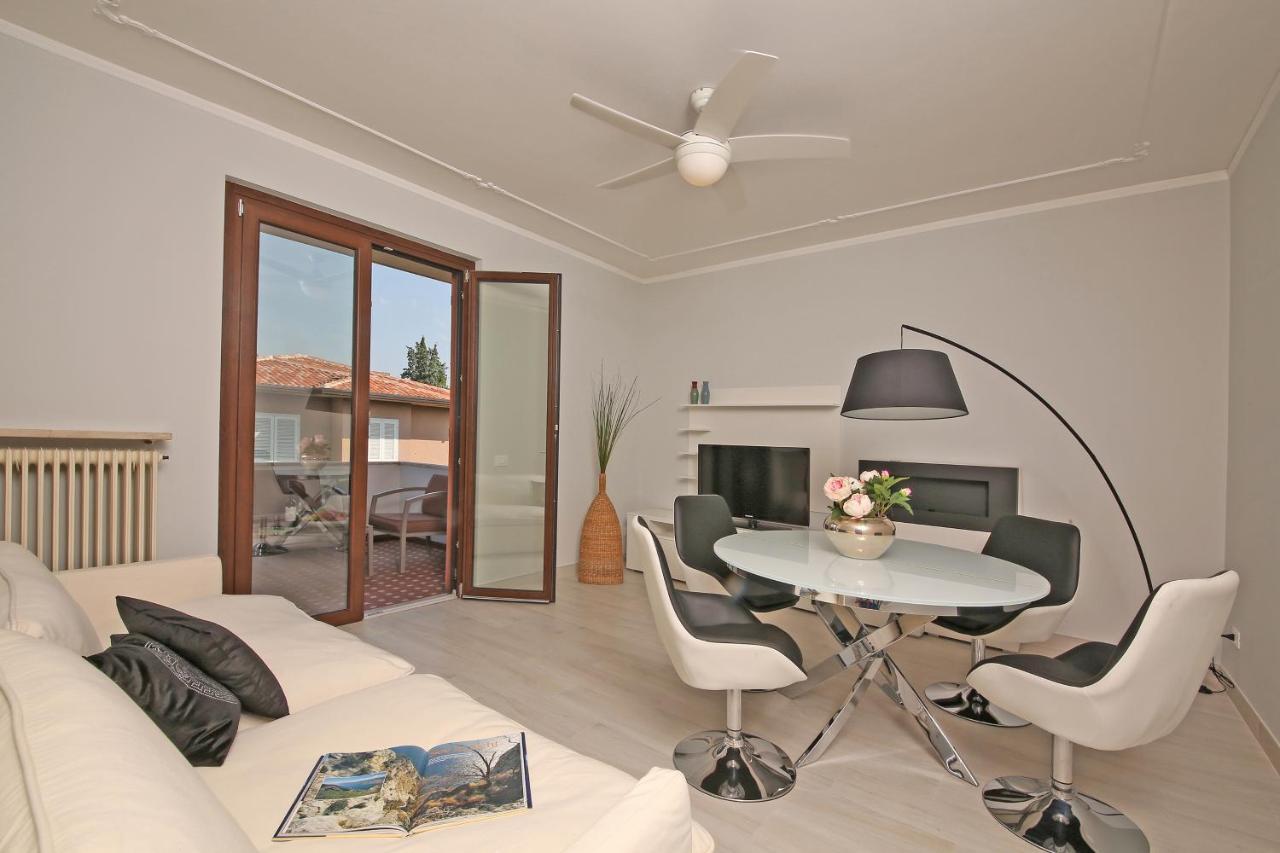 Apartment Casa Romeo, Sirmione, Italy - Booking.com