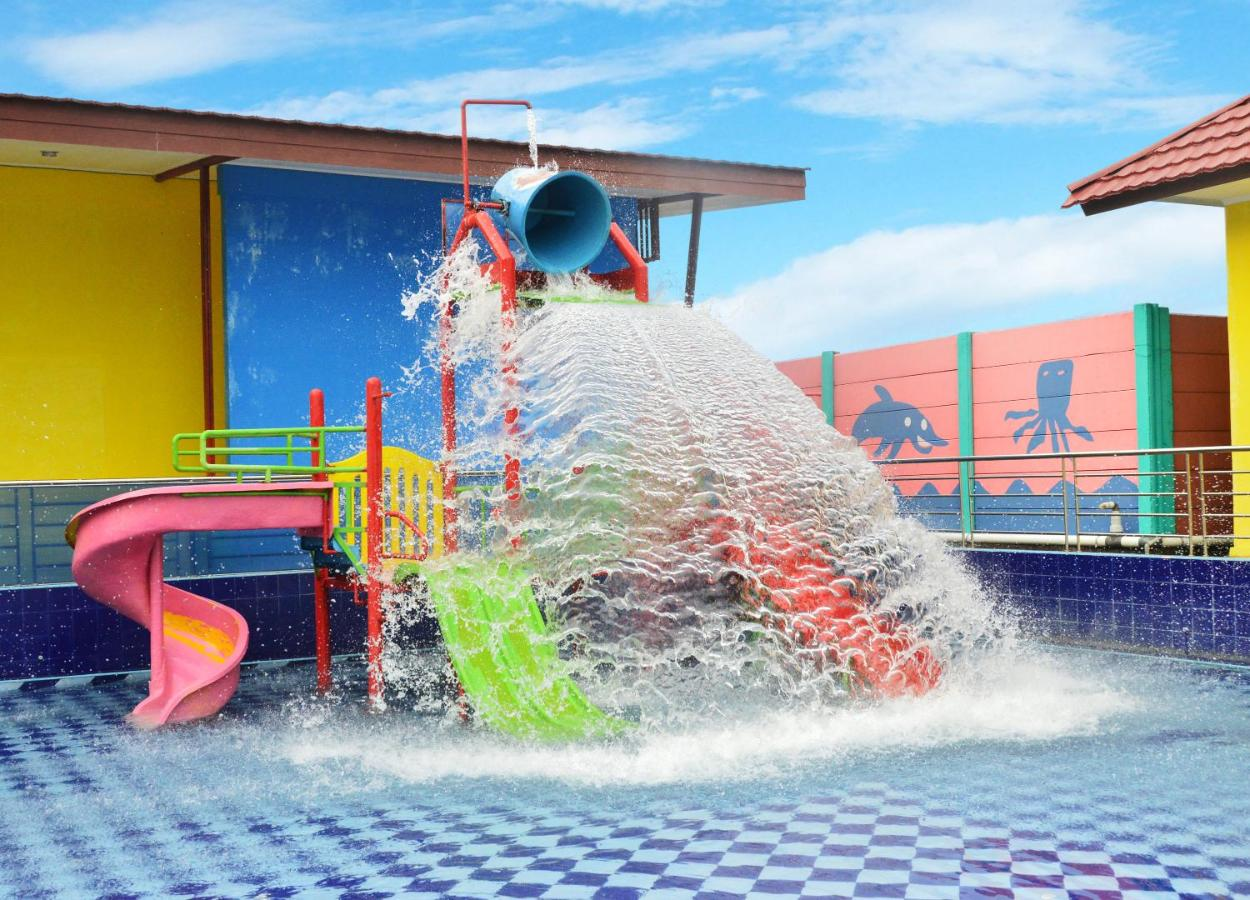 Kyriad Grand Master Purwodadi Harga 2018 Terbaru Paket B Tiket Masuk Amsterdam Waterpark Untuk 4 Orang