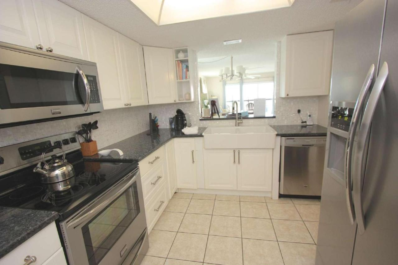 Vacation Home 301 Sandcastle North, Clearwater Beach, FL - Booking.com