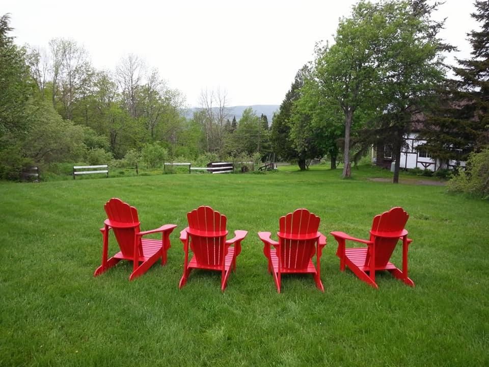 Guest Houses In Mansonville Quebec