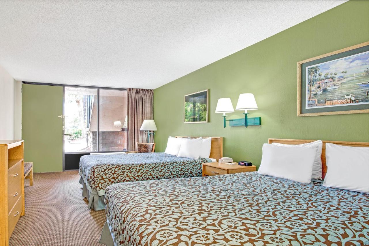 Hotel Bradenton Near Gulf, FL - Booking.com