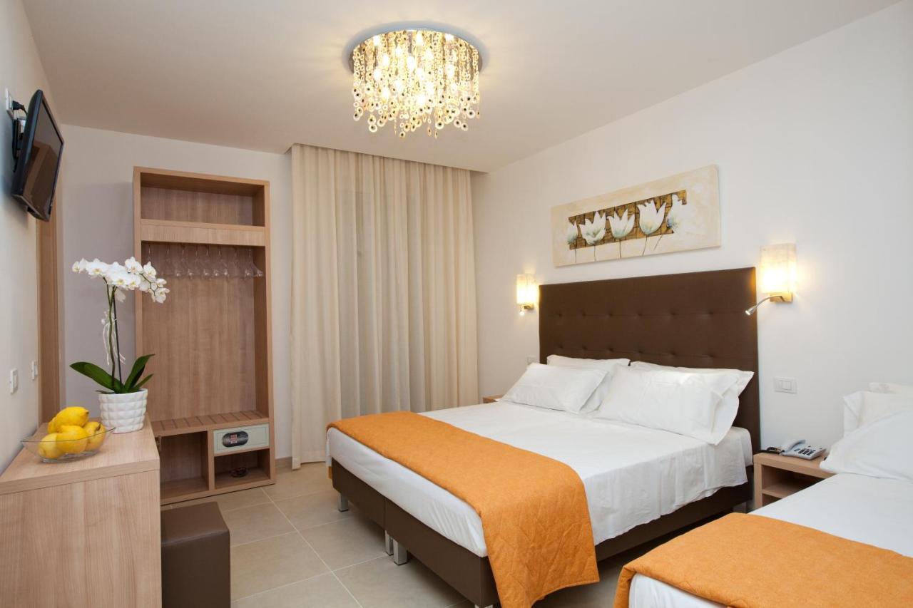 Hotel Ristorante Cesare (Italia Savignano sul Rubicone) - Booking.com : bagno gino savignano : Design