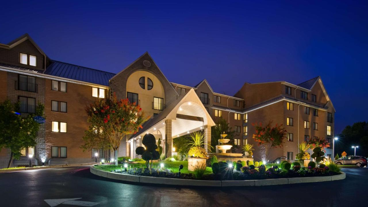 Best Western Plus Hotel, Concordville, PA - Booking.com