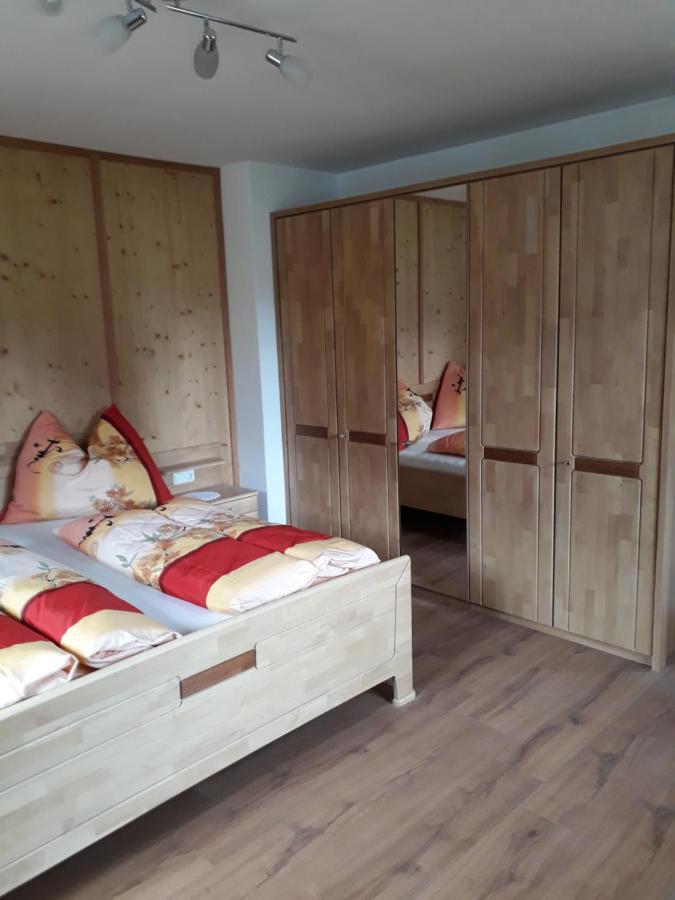 Bett Im Schlafzimmer Design Modern Italienisch Lecomfort , Ferienhaus Eder –sterreich Leogang Booking
