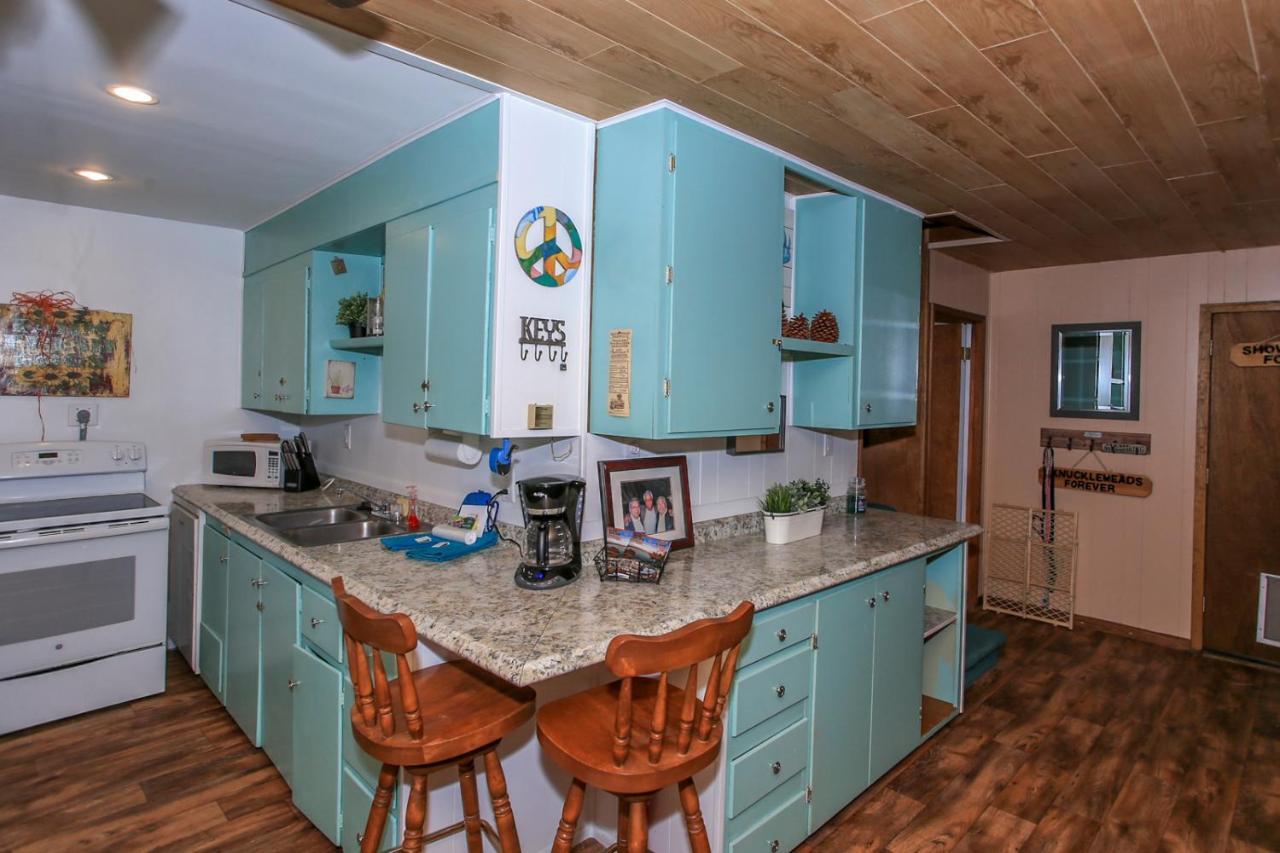 Vacation Home Fairway Pines, Big Bear City, CA - Booking.com