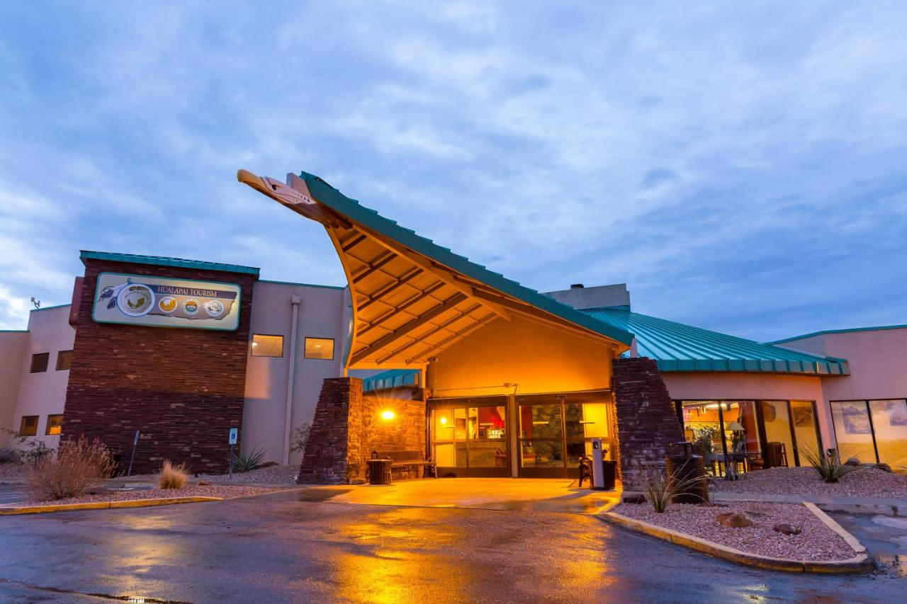 hualapai lodge, peach springs, az - booking