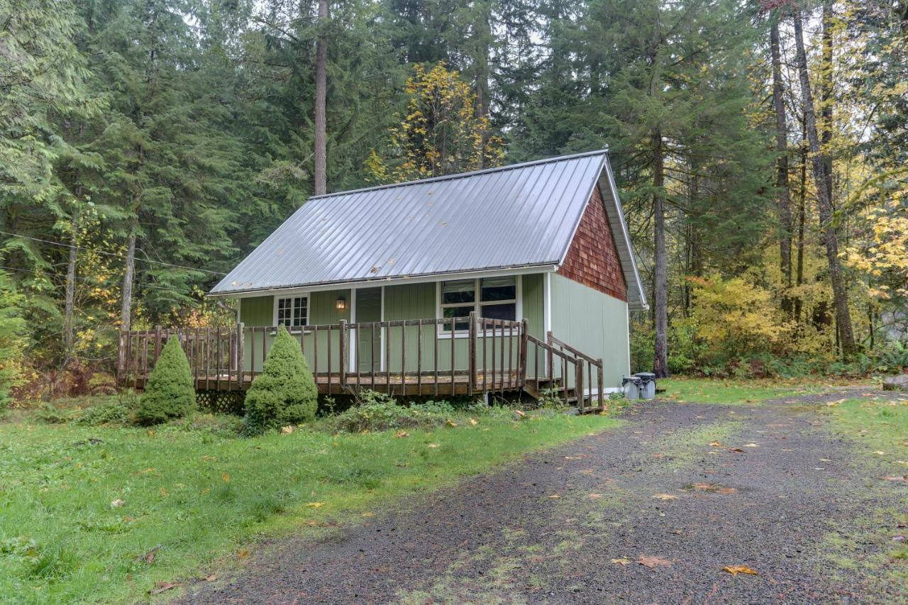 cedar hood it cabins s of with natural view composed stunning famous this floors oregon cozy mt for in town tiny house reclaimed take cabin hardwood perfect views