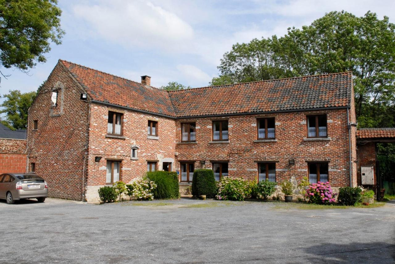 Hotels In Buzet Hainaut Province