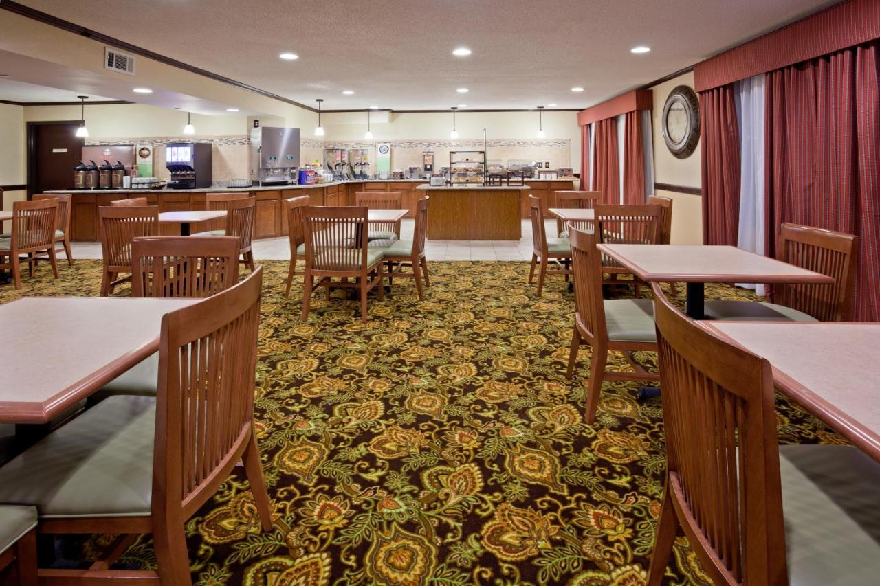 Country Inn Coon Rapids, MN - Booking.com