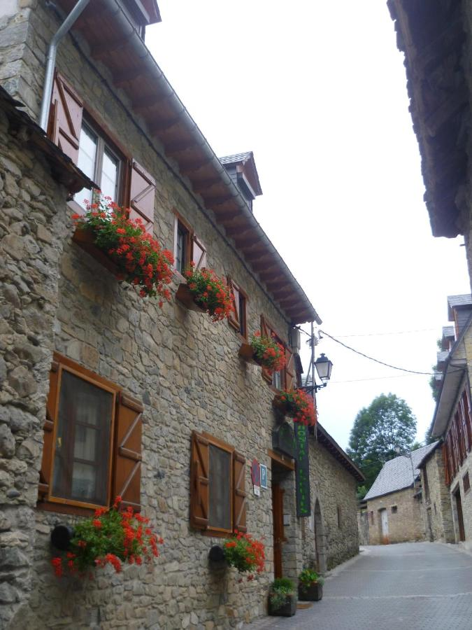 Guest Houses In Arties Catalonia