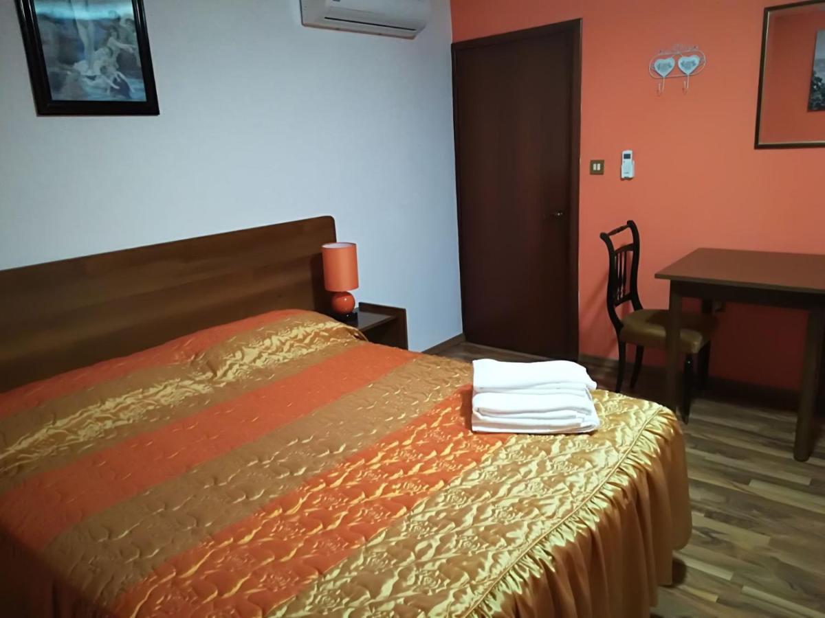 Hotels In Ambrogio Emilia-romagna