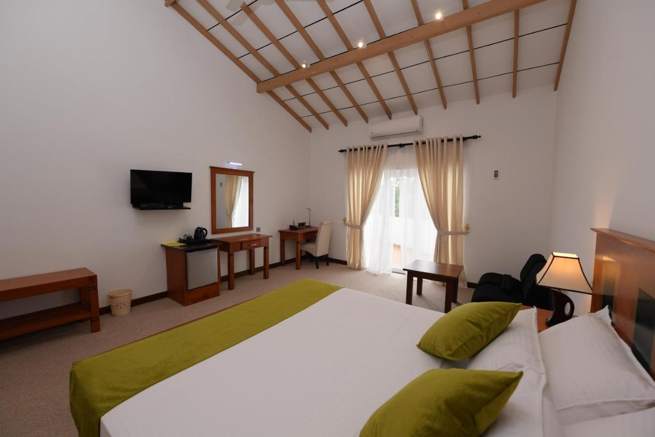 Hotel Rashmi Bookingcom Hotels In Kurunegala Book Your Hotel Now