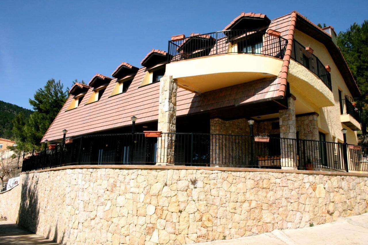 Hotels In Paterna Del Madera Castilla-la Mancha