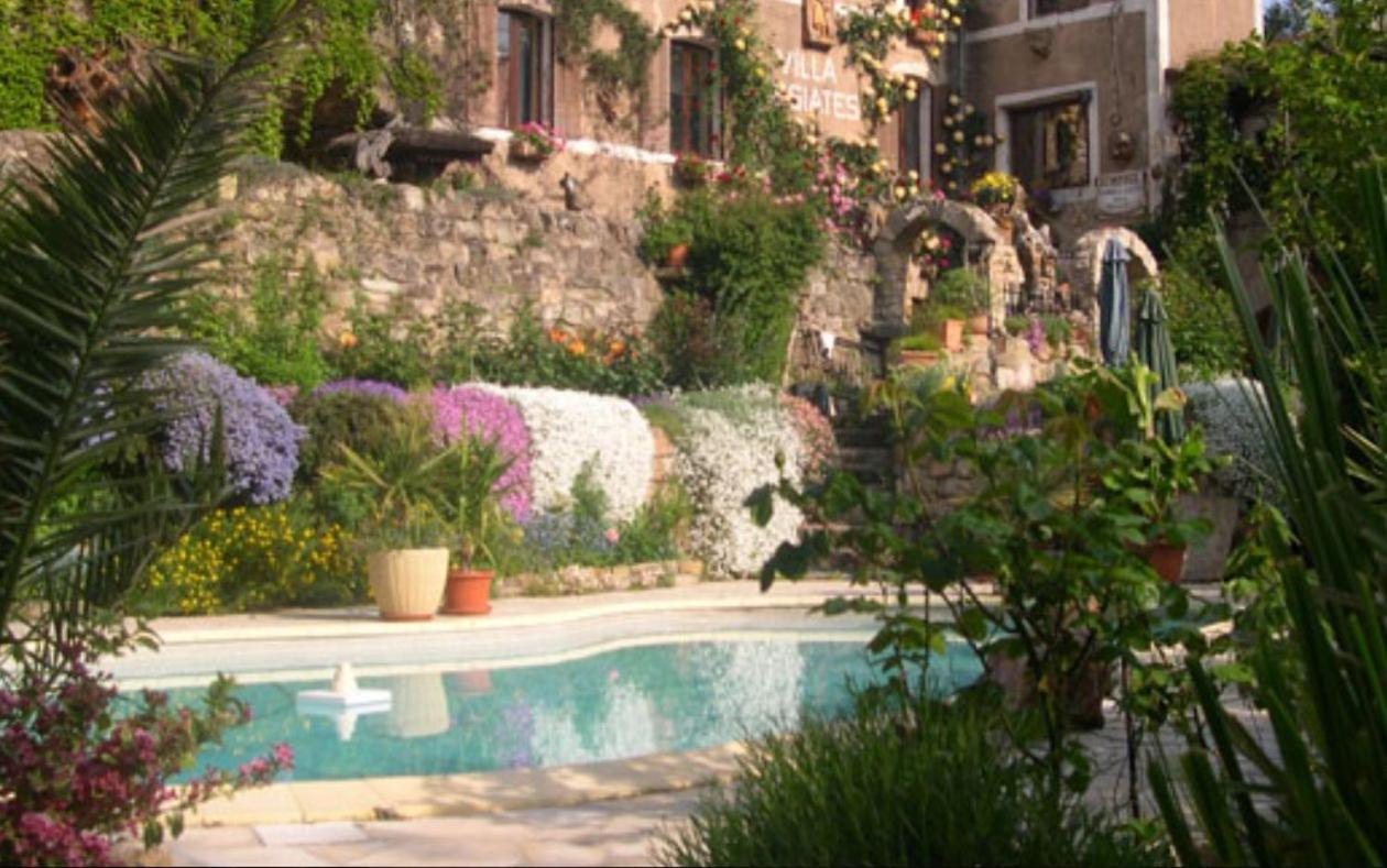 Bed And Breakfasts In Octon Languedoc-roussillon