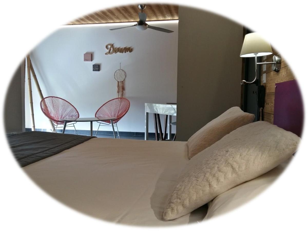 Hotels In Pérouges Rhône-alps
