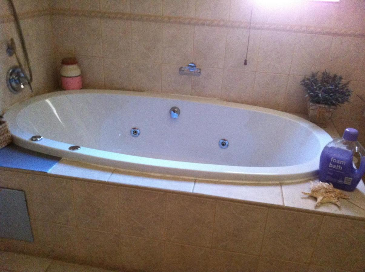 Gucina Guesthouse, Johannesburg, South Africa - Booking.com
