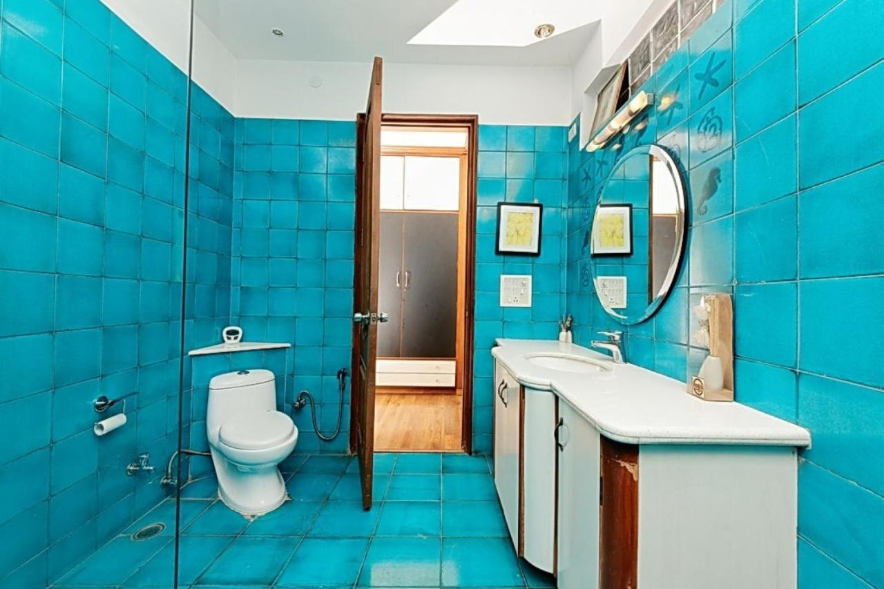 BnB room in DLF Phase 1, Gurgaon, by GuestHouser 9291, Gurgaon ...