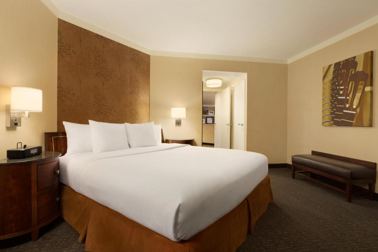 hotel embassy suites town lake austin tx booking com