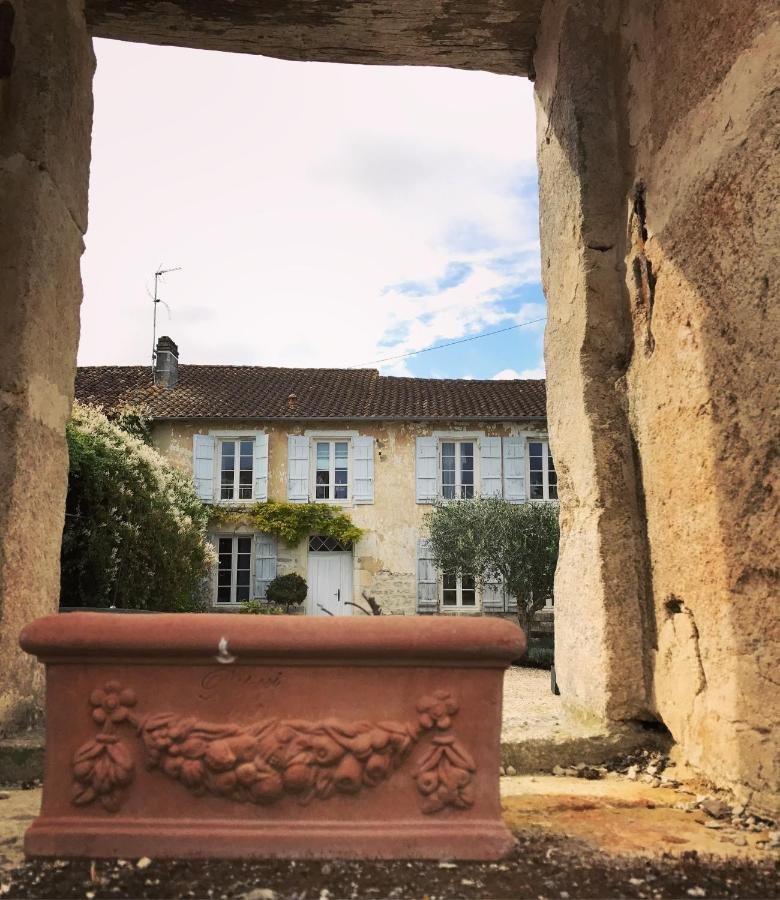 Bed And Breakfasts In Nuaillé-sur-boutonne Poitou-charentes