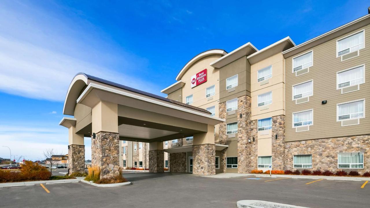 Hotels In De Winton Alberta