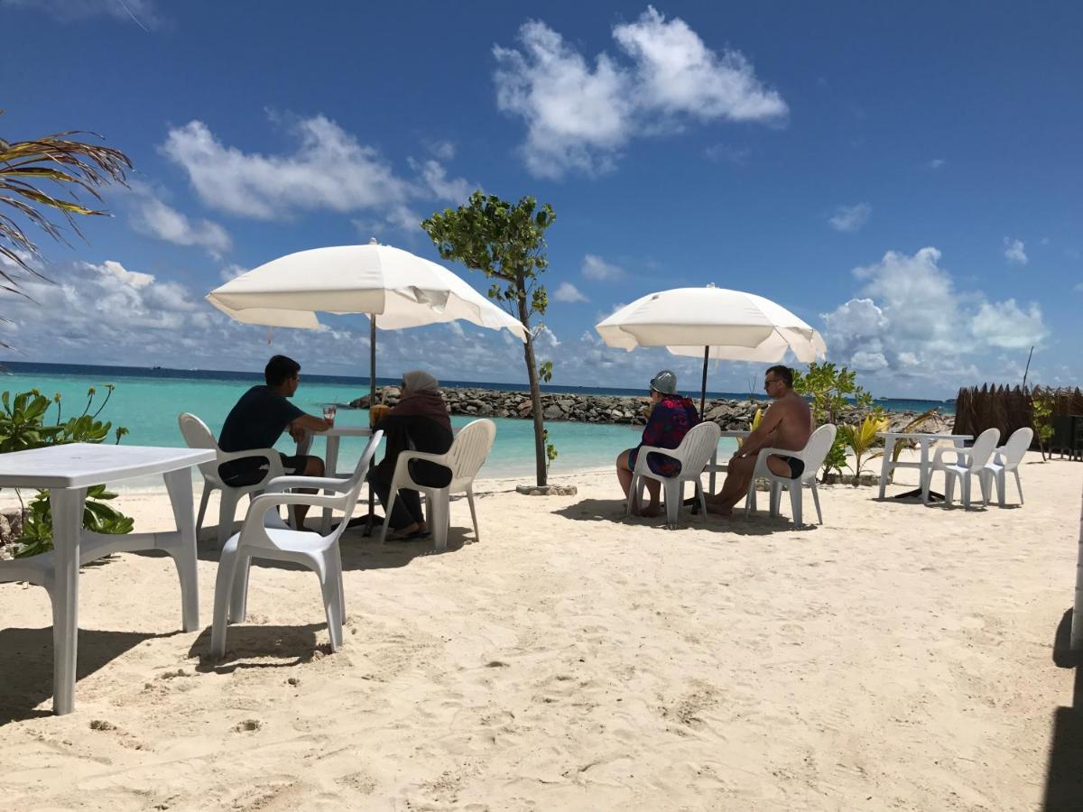 Отель Reyva Inn на острове Маафуши