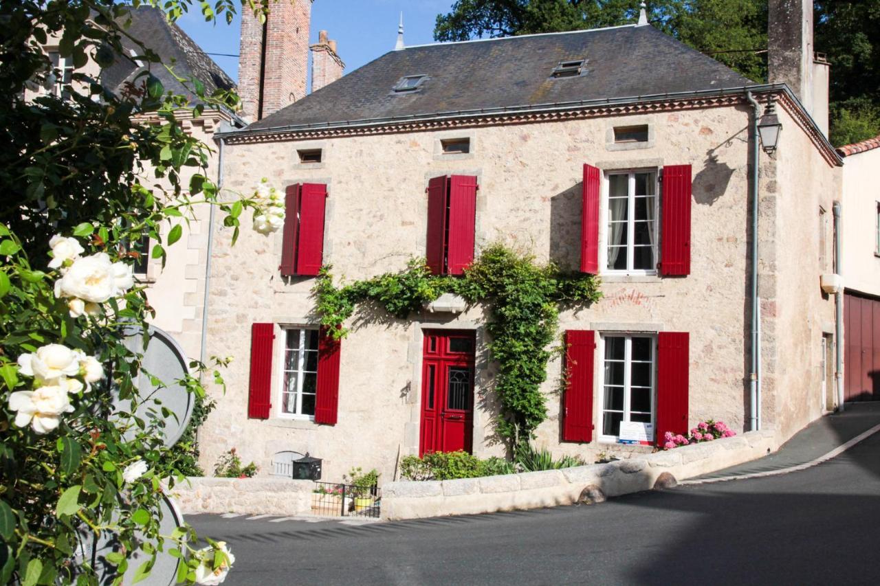 Guest Houses In Saint-hilaire-de-mortagne Pays De La Loire
