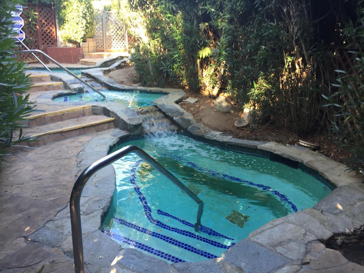 Hotels In Lilac California