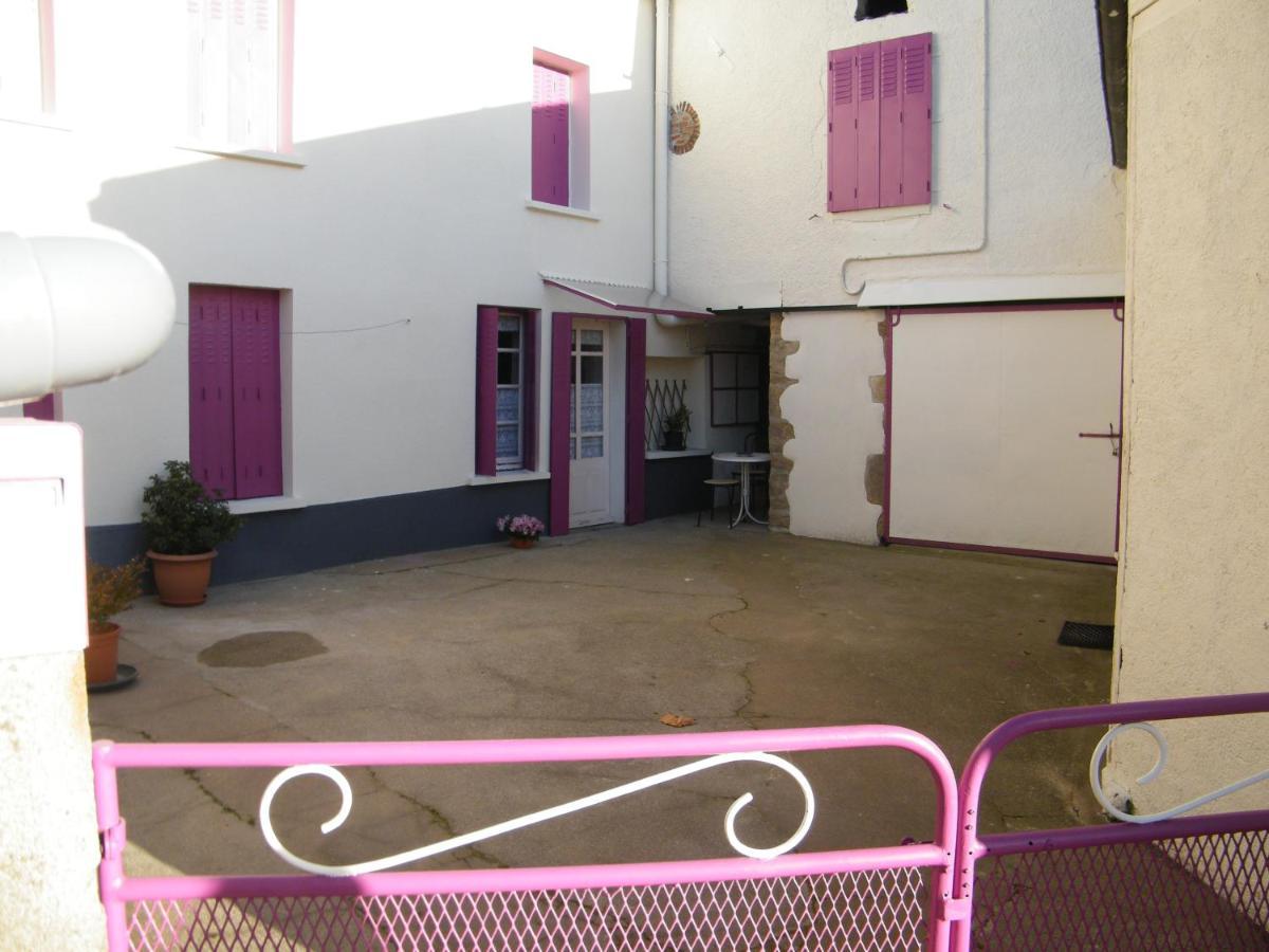 Guest Houses In Neuvy-bouin Poitou-charentes