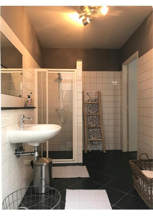 Apartment CharlieRose, The Hague, Netherlands - Booking.com