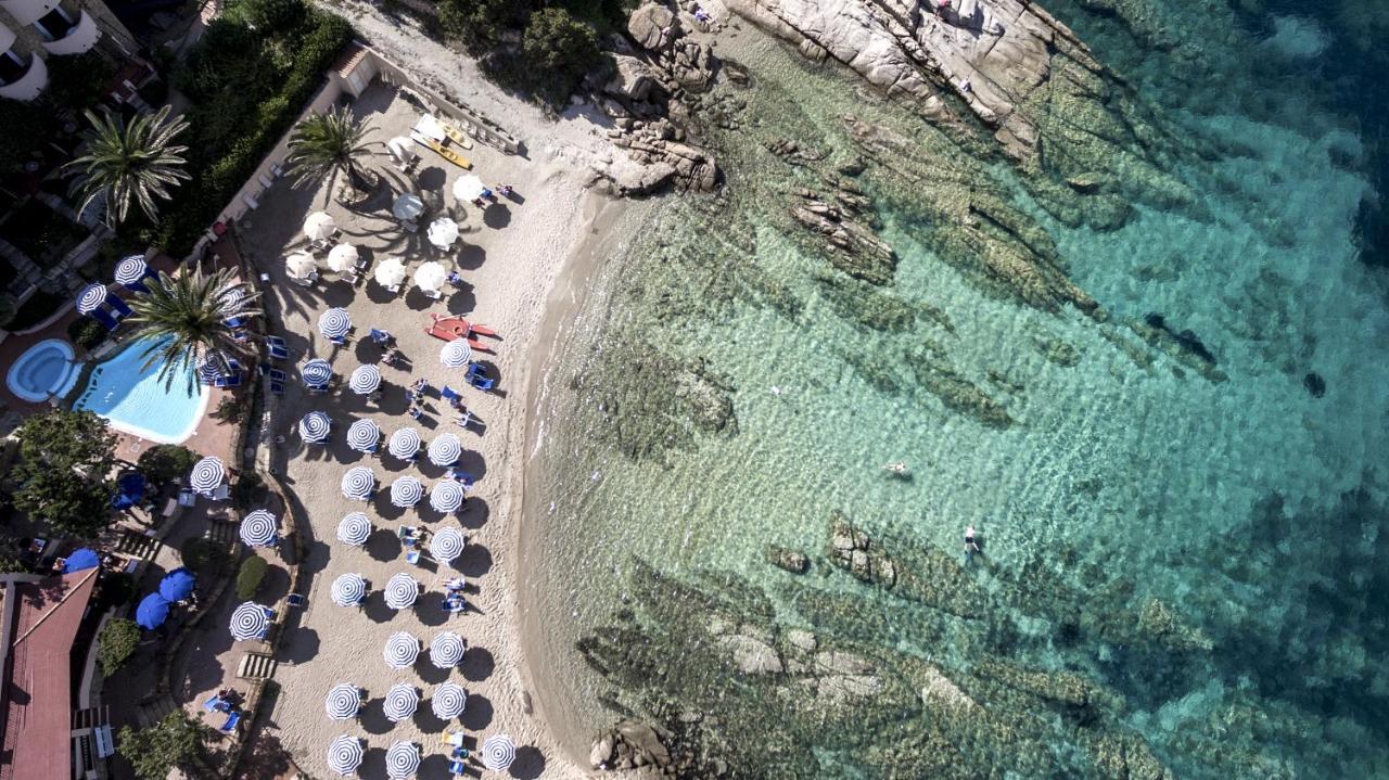 Hotel Grand Smeraldo Beach, Baja Sardinia, Italy - Booking.com