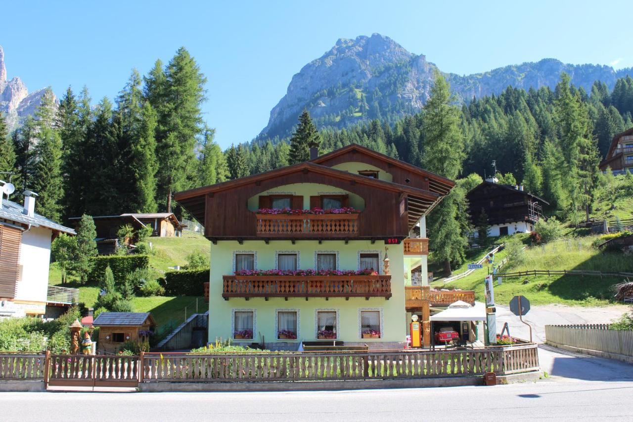 Guest Houses In Alleghe Veneto