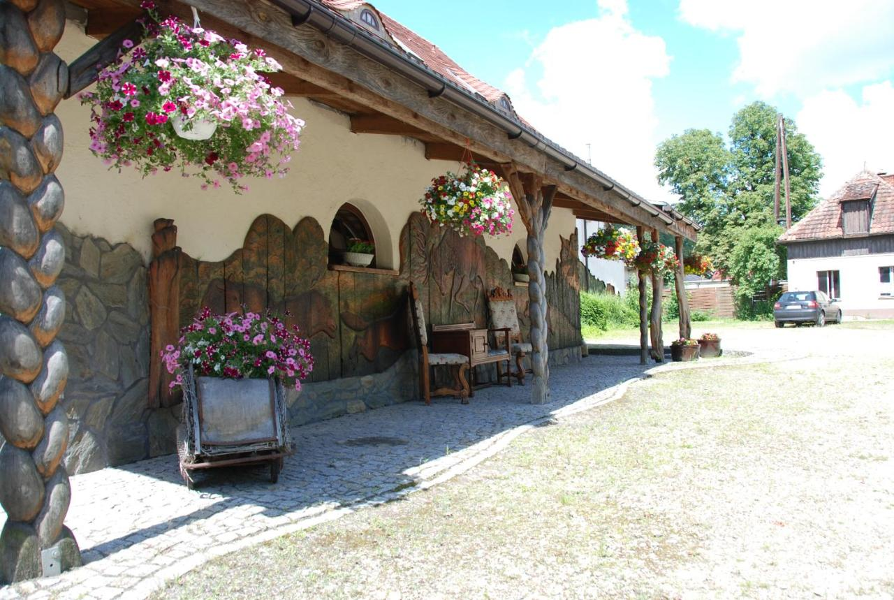 Gasthaus Wilczy Grod (Polen Oborniki Śląskie) - Booking.com