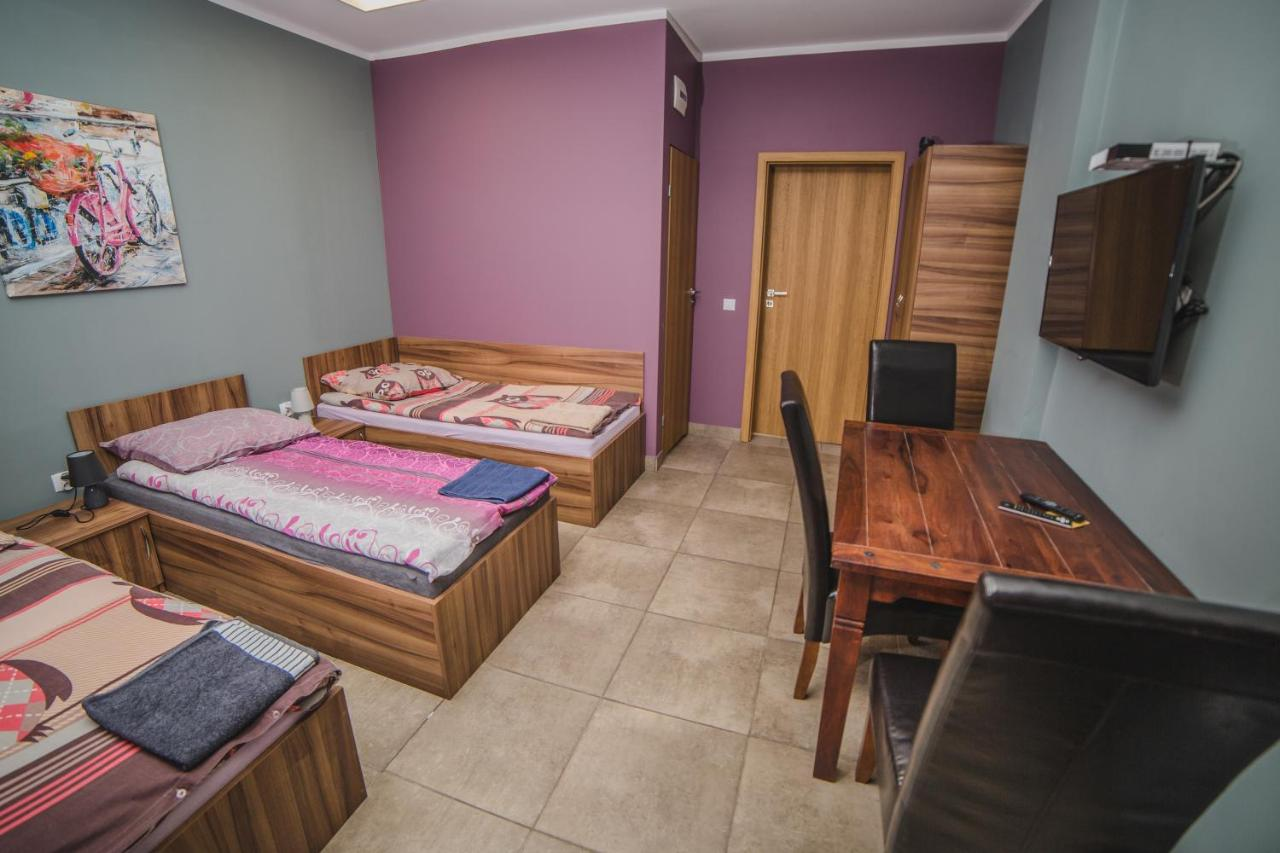 Hotel Noclegi Andersa Polen Walbrzych Booking Com