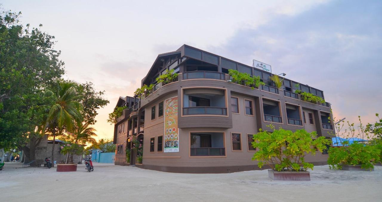 Недорогой отель на Мальдивах