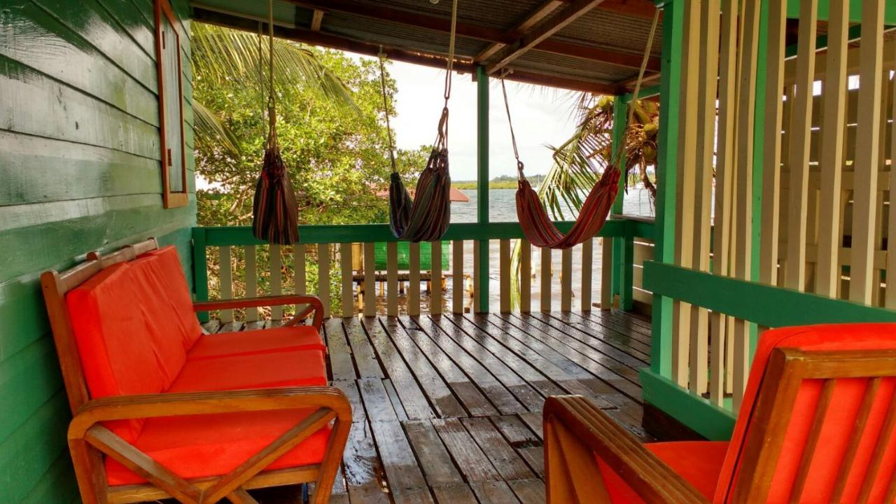 Hostels In Paunch Isla Colon