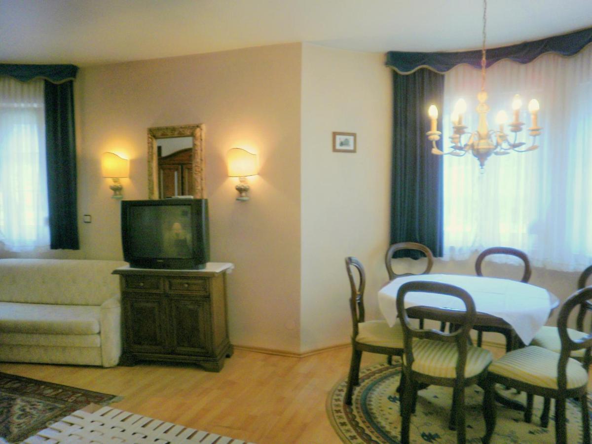 Guesthouse Gästehaus Auerhahn c12e322c9a