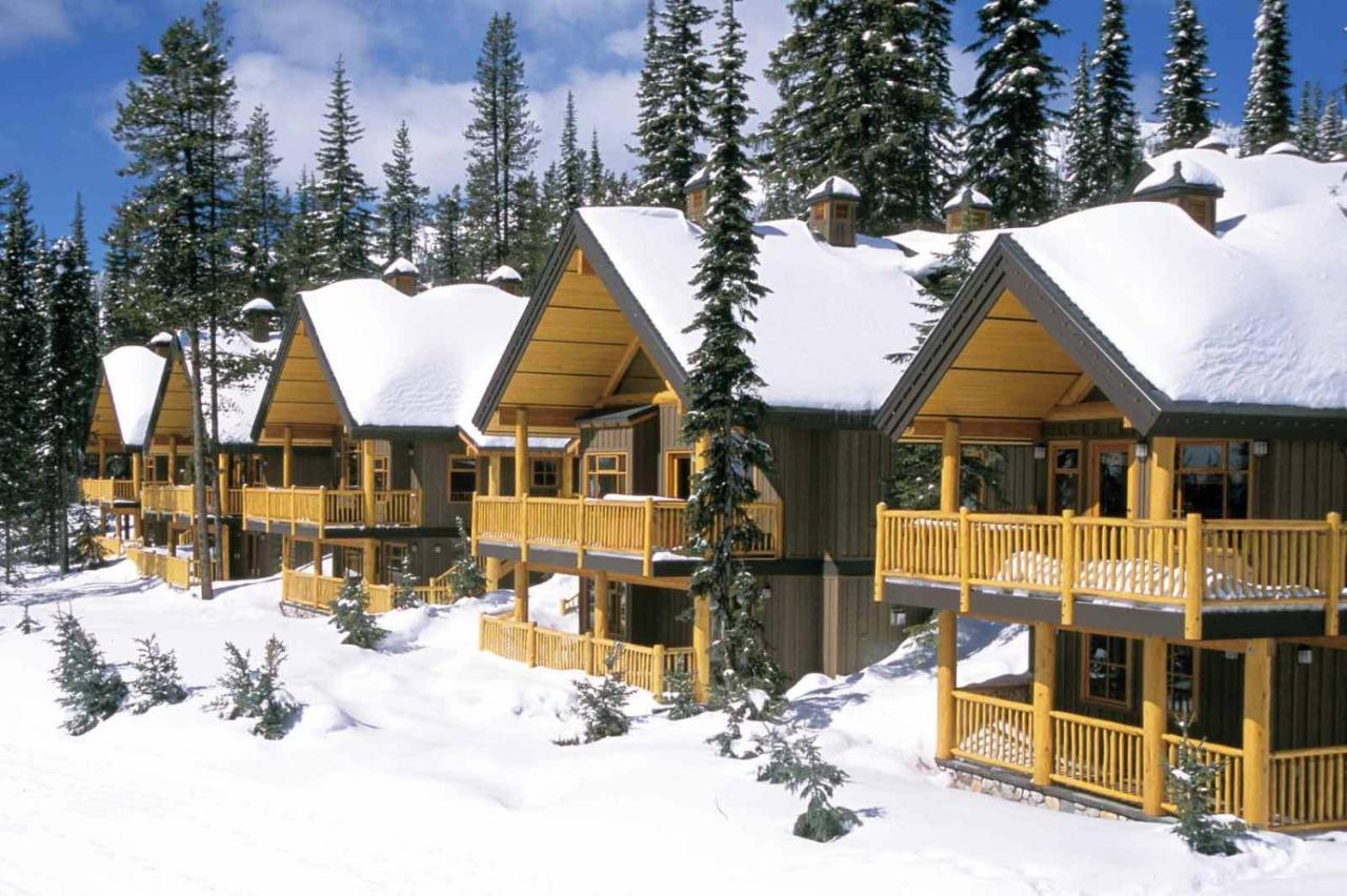 Big white ski resort vacation homes apartment canada deals