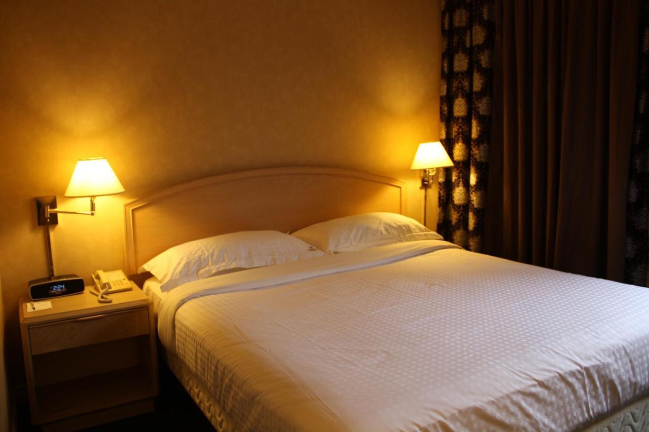Garden Suite Hotel Resort, Los Angeles, CA - Booking.com