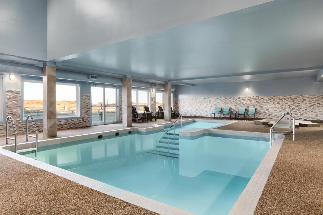 Hotels In Balzac Alberta