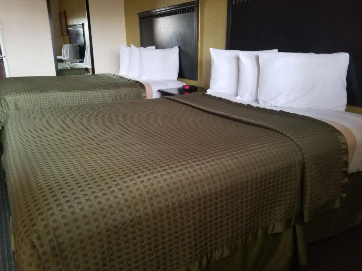 Hotels In Lakeside Park California