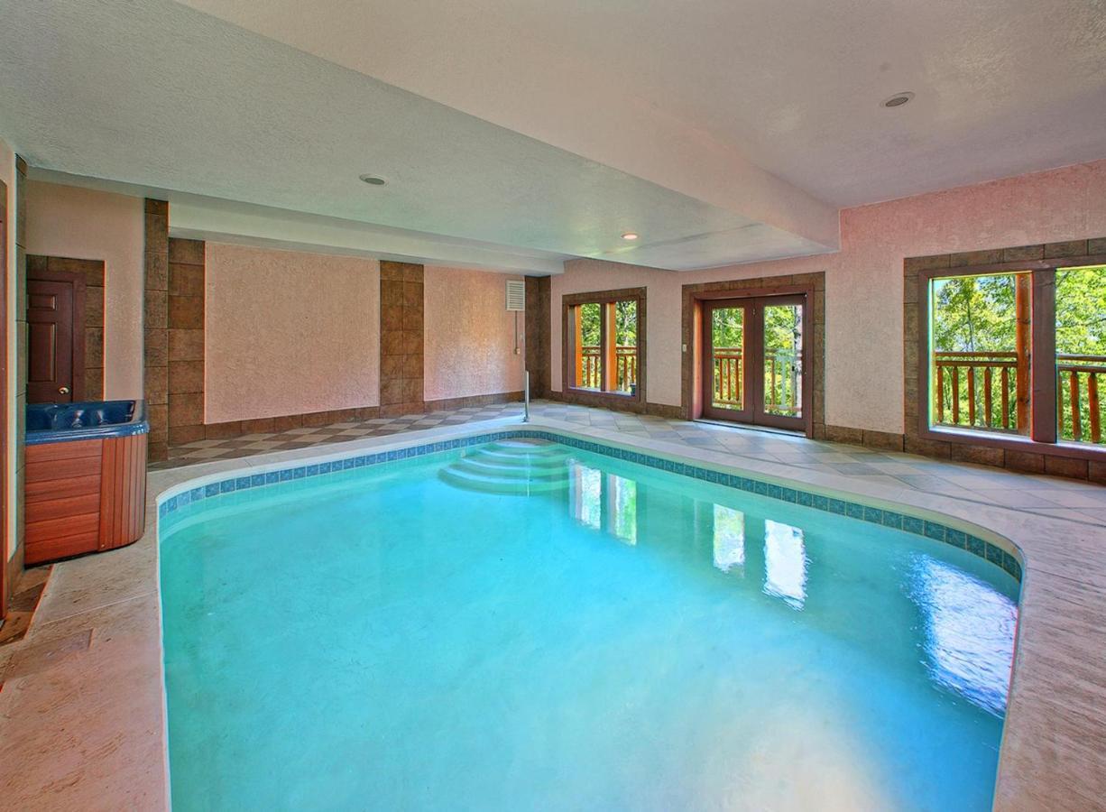 with private for indoor springs resort sky elk gatlinburg big pools cabins rent lodge es tennessee