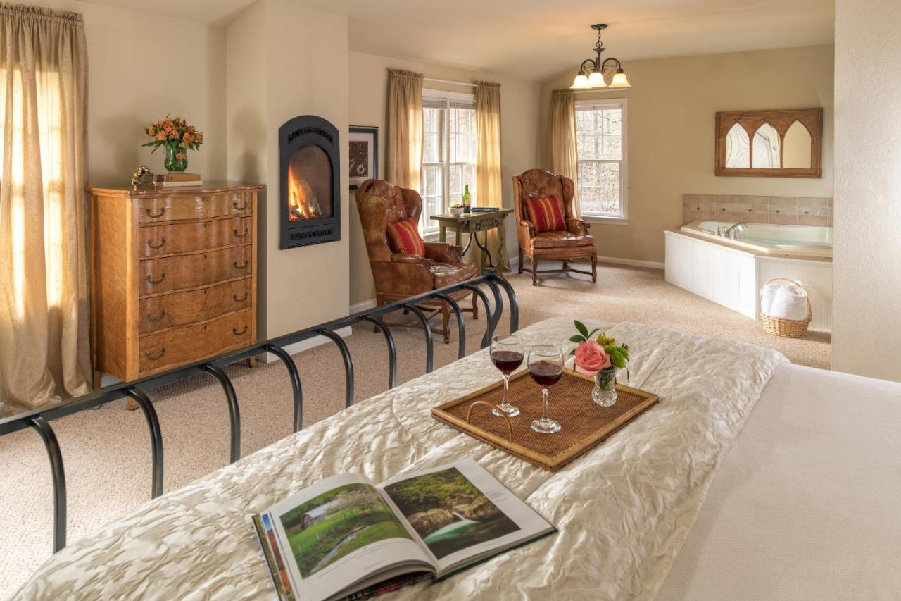Bed And Breakfasts In Cruso North Carolina