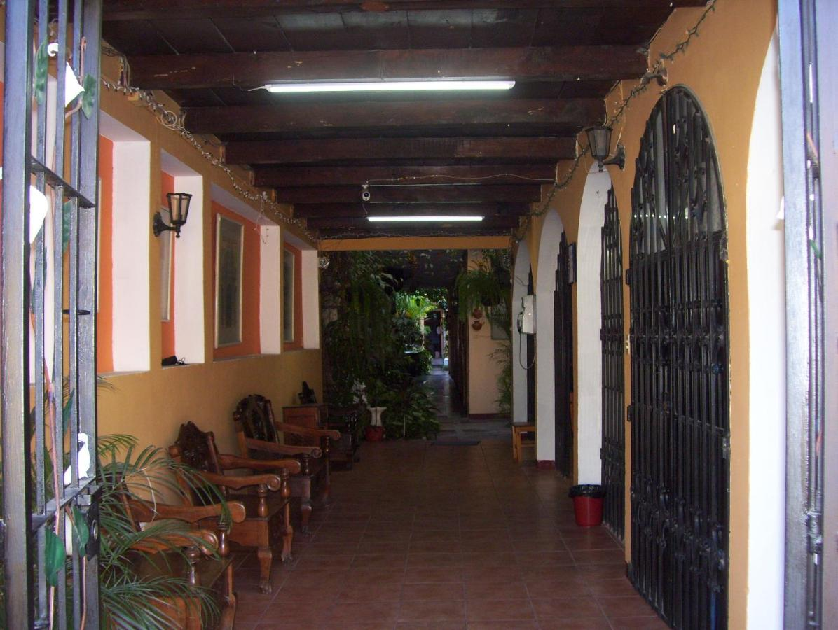 Hostels In Ciudad Vieja